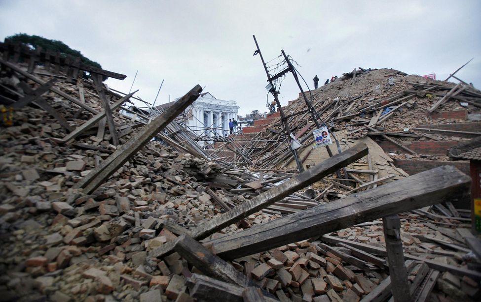 Les dégâts des  tremblements de terre sont colossaux.