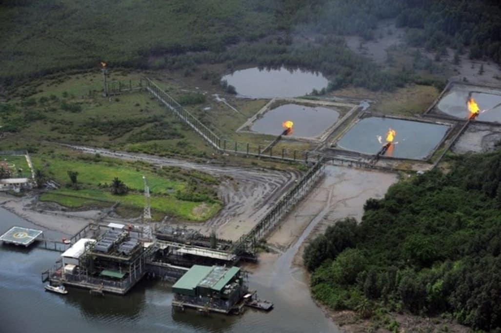 Shell-dedommage-les-victimes-d-une-fuite-de-petrole-au-Nigeria_article_popin