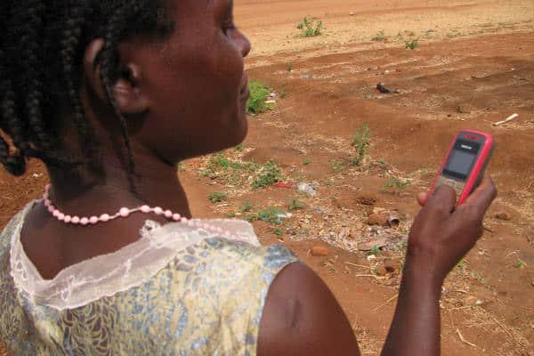 humanitaire-big-data-telephone