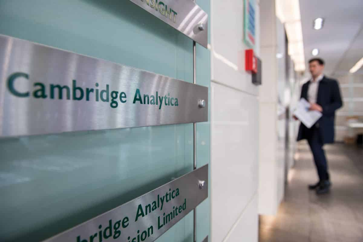 cambridge analytica faillite