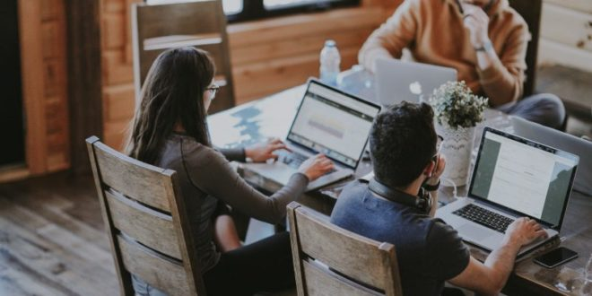 outsourcing big data analytics