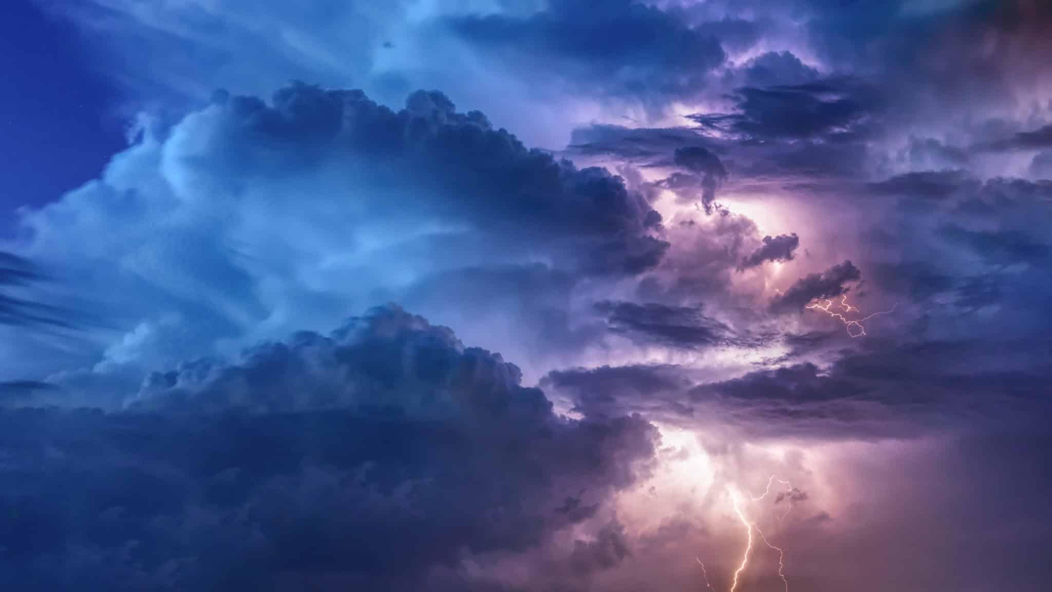 Le Cloud Computing est une technologie de plus en plus populaire, mais comporte aussi des inconvénients et des secrets inavouables...