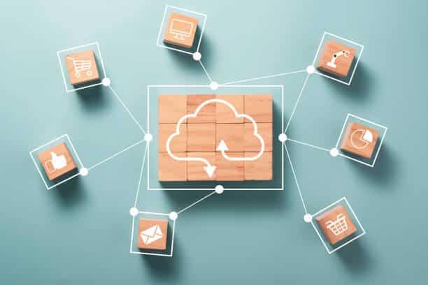Snowflake propose ses services cloud à l'industrie financière, au même titre que Microsoft Azure, Google Cloud et AWS.